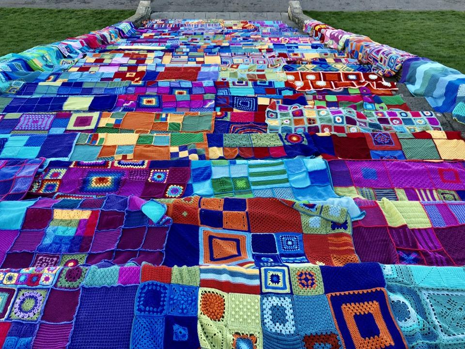 December 2018. A Snug for Christmas becomes an epic yarn bomb too!
